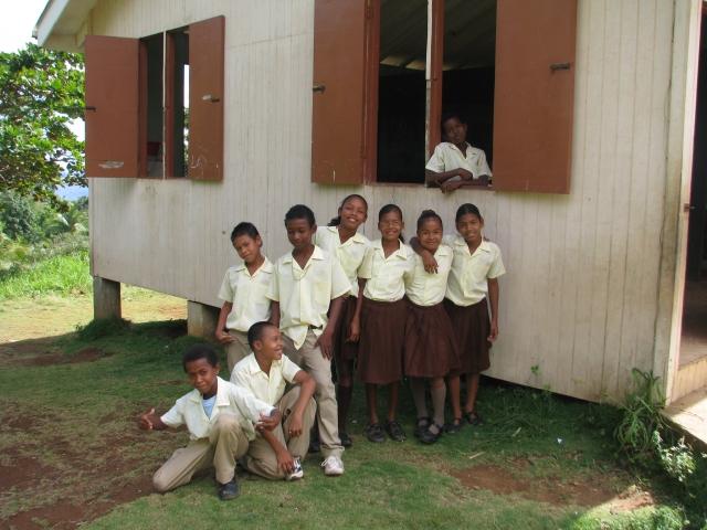 kalinago-children